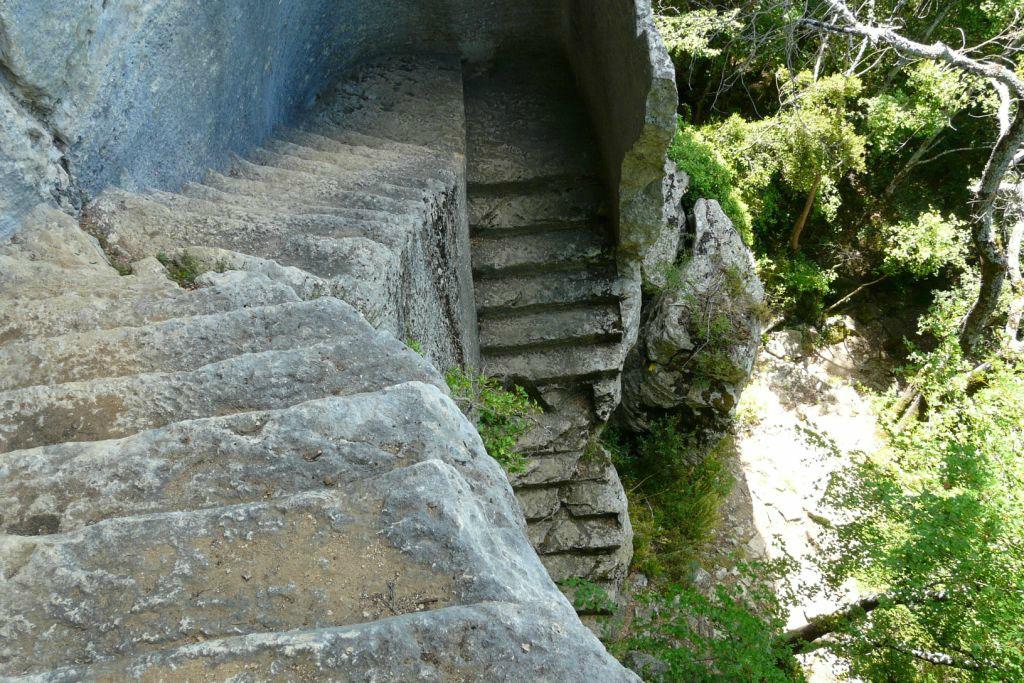 Fort de buoux photo escalier